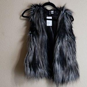 H&M Faux fur vest size 10 NWT